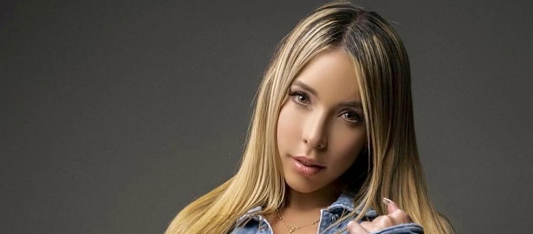Vanessa-Bohorquez-Wallpapers-Insta-Fit-Bio-7