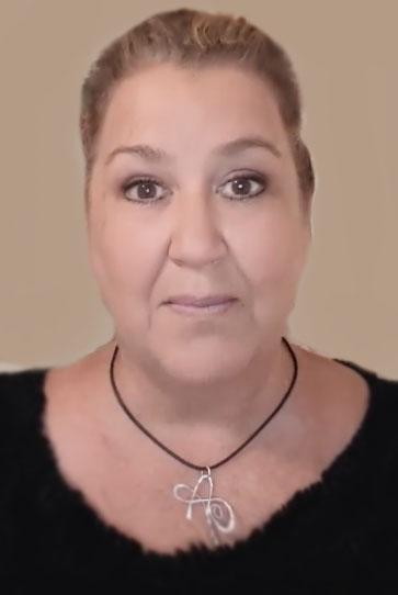 Анна Ивановна - работница в шторном ателье