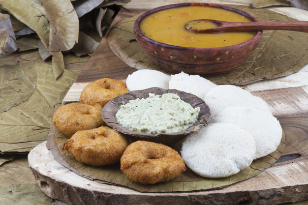 south-indian-food-idli-vada-57665-2547.jpg