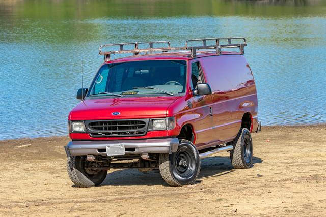 2002-Ford-E350-2