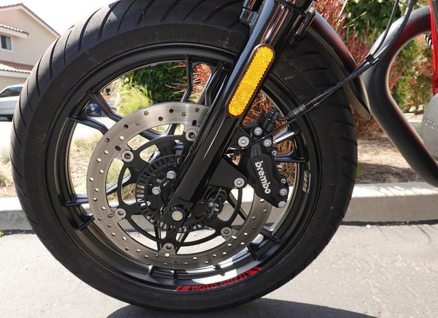 2017-Moto-Guzzi-V7-III-Racer-Front-Wheel