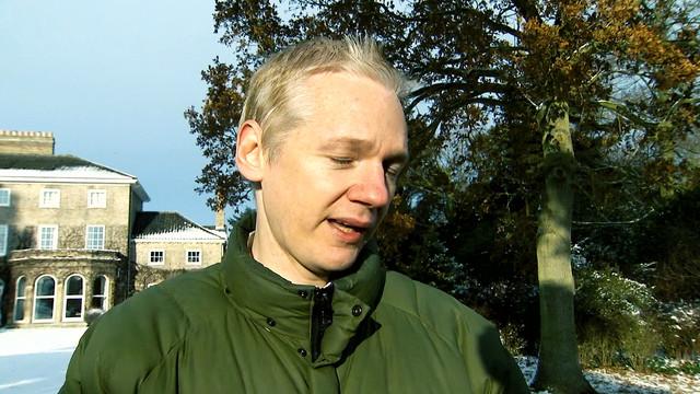 Julian-Assange-Revolution-Now-2020-1080p-WEBRip-x265-RARBG-mp4-snapshot-00-26-54-2021-06-26-15-23-26