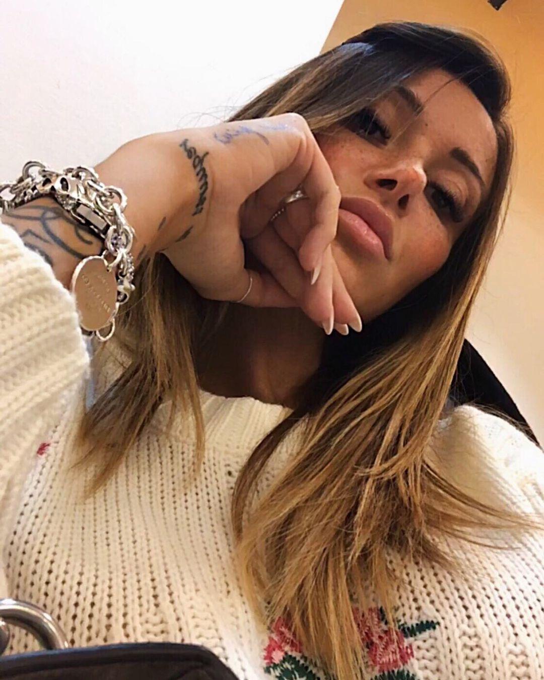Francesca-Lannuario-Melillo-Wallpapers-Insta-Fit-Bio-1