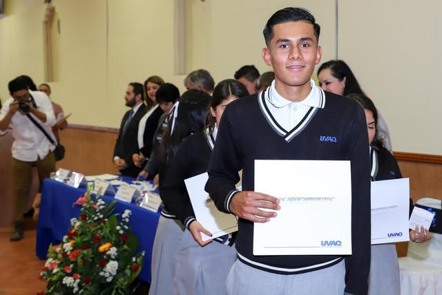 Graduacio-n-Quiroga2019-21