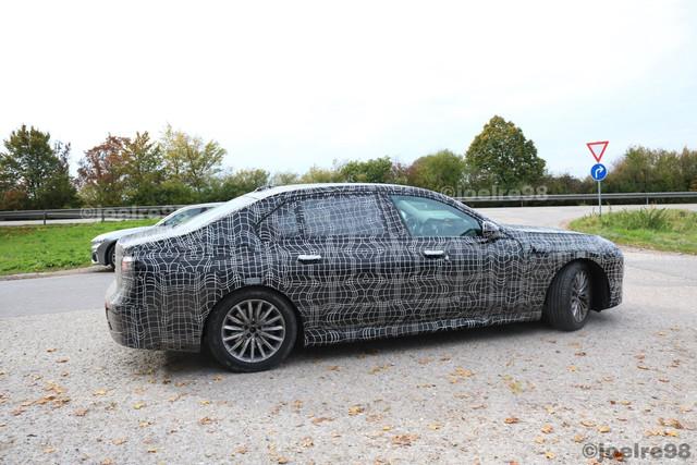 2022 - [BMW] série 7  - Page 2 64422903-1-B49-4-B9-C-BAB1-87-DCAE0-F0-EC2