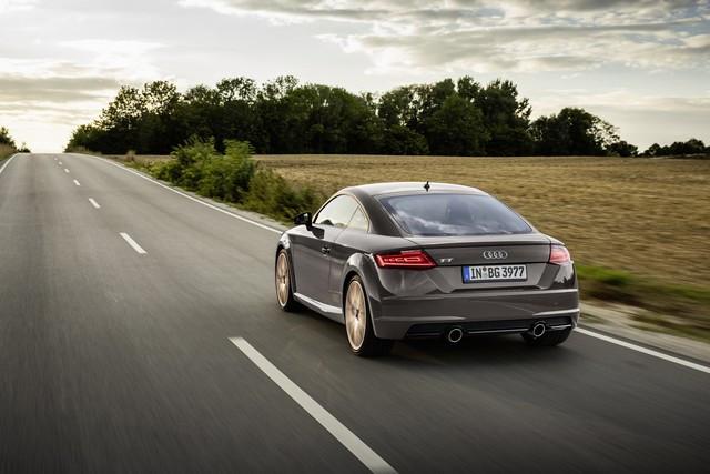 Accent sportif : l'Audi TTS competition plus A208506-medium