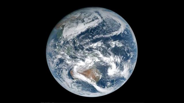 Earth-from-Himawari-8-Satellite-geostati