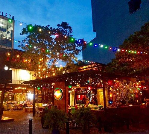 milagros-restaurante-condenedores-de-noche