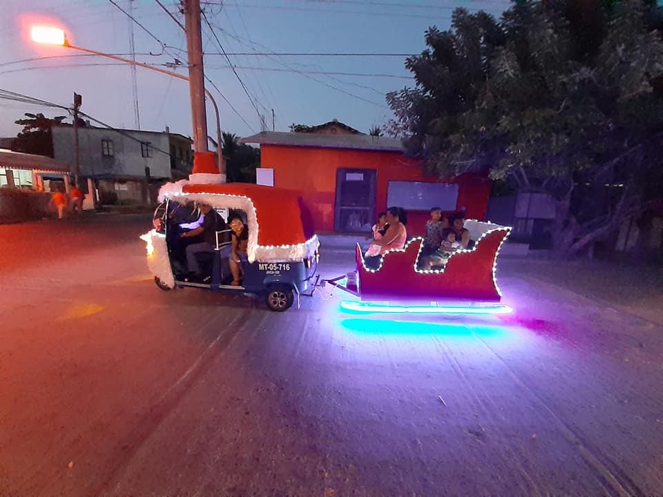 abuelo-mototaxi-trineo-navidad-2