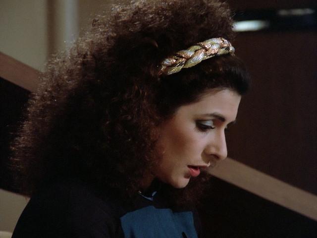 ariane179254-Star-Trek-TNG-1x01-1x02-Encounter-At-Farpoint-0255