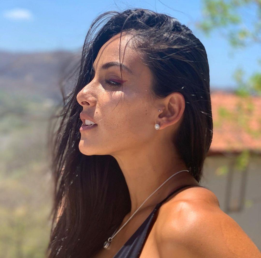 Johanna-Solano-Wallpapers-Insta-Fit-Bio-9