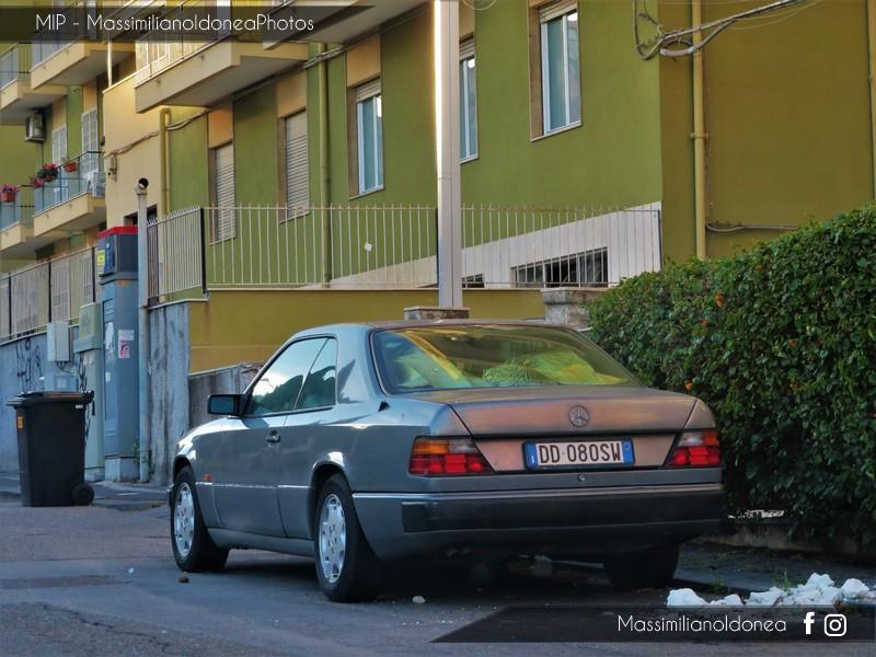 avvistamenti auto storiche - Pagina 7 Mercedes-C124-3-0-220cv-91-DD080-SW