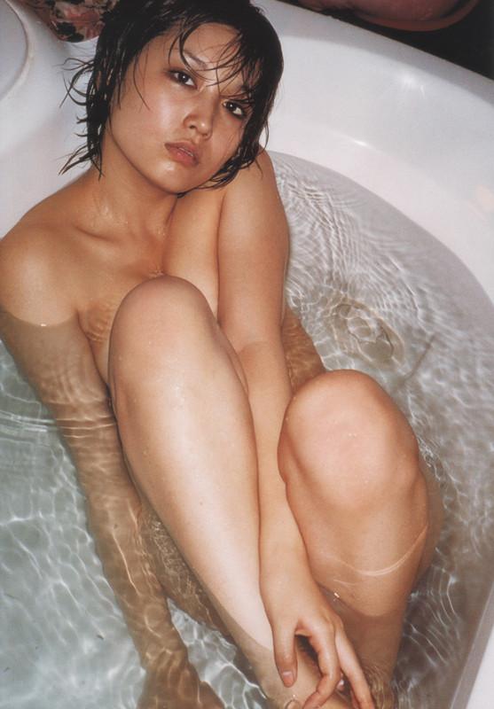 月刊 三津谷葉子 写真集 tyutyuru-gemitsuya027