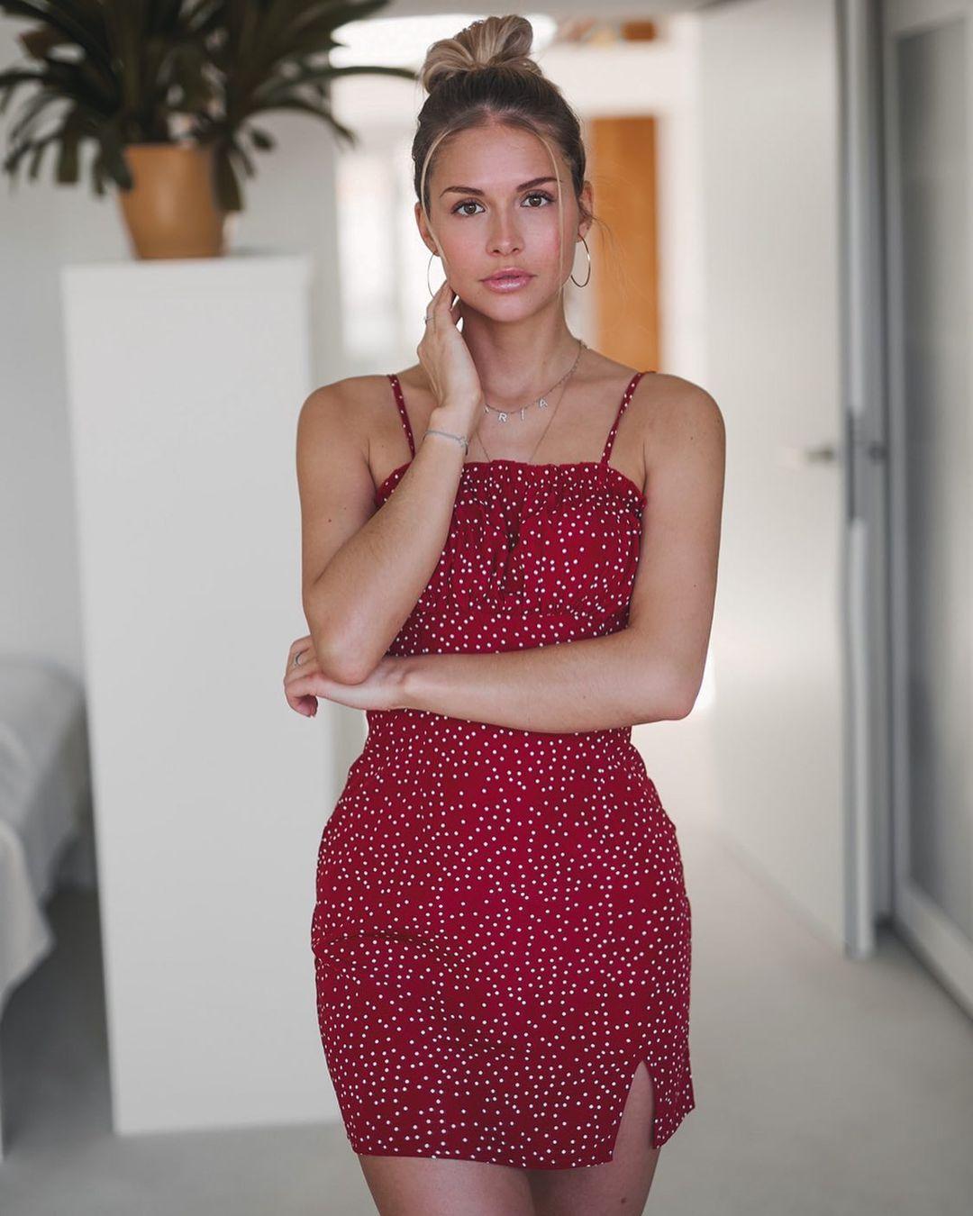 Maria-Luisa-Medack-Wallpapers-Insta-Fit-Bio-1