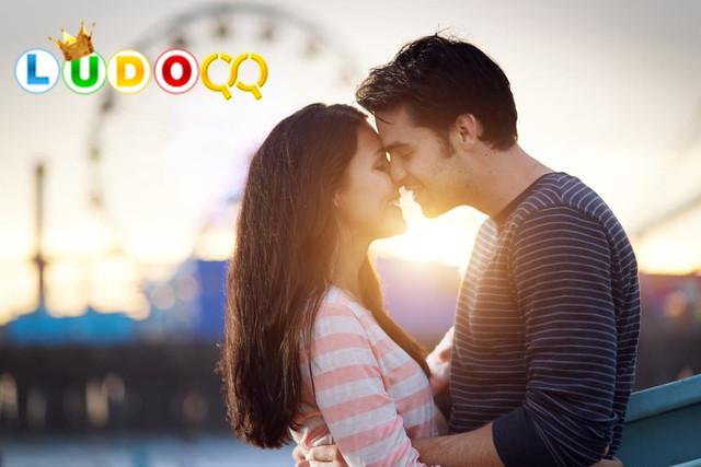 Bukan Cuma Nafsu Belaka, Ini 5 Manfaat Berciuman