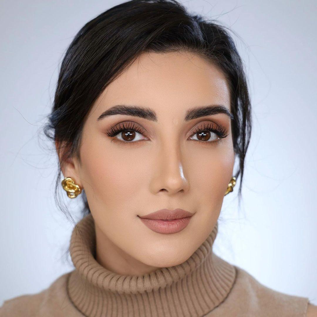 Sadaf-Beauty-Wallpapers-Insta-Fit-Bio-Sadaf-Taherian-Wallpapers-Insta-Fit-Bio-4