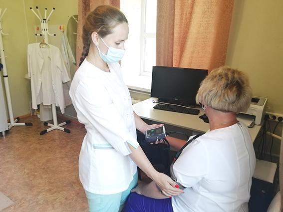 Система устанавливается пациенту на сутки и автоматически делает замеры с необходимой регулярностью
