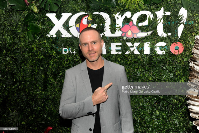 https://i.ibb.co/qR4yvH1/erik-hayser-mexican-producer-and-entrepreneur-during-the-presentation-picture-id1205854925-s-2048x2048.jpg