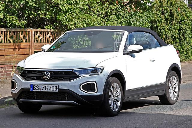 2022 - [Volkswagen] T-Roc restylé  FCFC6-BD5-DC32-48-E9-9-DFA-E0-B21-EC3-C5-A8