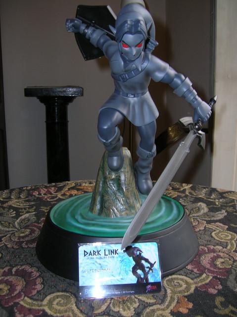 Dettaglio-statua-Dark-Link