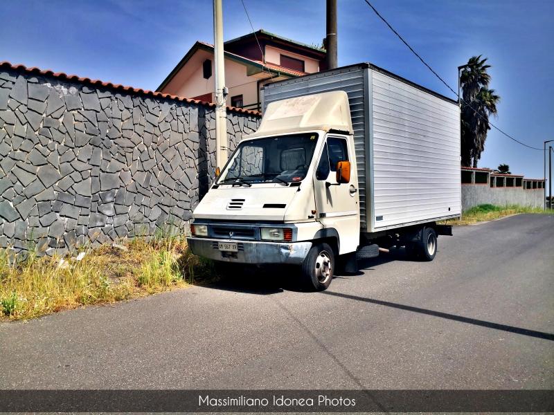 Veicoli commerciali e mezzi pesanti d'epoca o rari circolanti - Pagina 13 Renault-Master-Turbo-B90-2-4-92cv-89-AM567-XR-182-217-4-5-2019