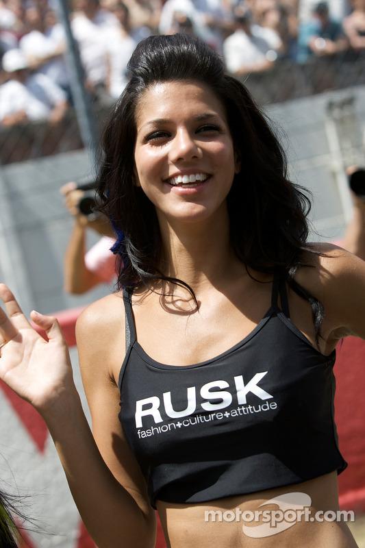 13-06-2009-Le-Mans-France-A-charming-Rusk-girl