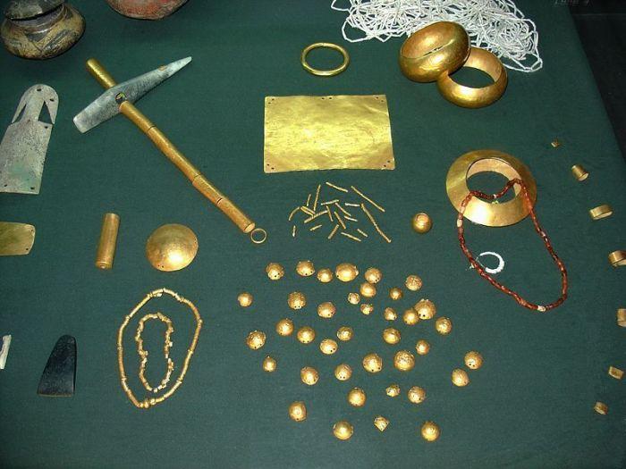 Археологи обнаружили в Болгарии самый древний клад в мире