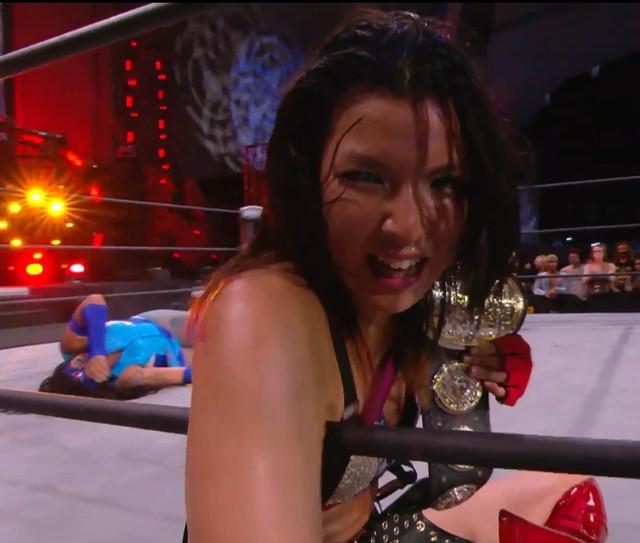 Hikaru Shida continúa siendo la Campeona de AEW