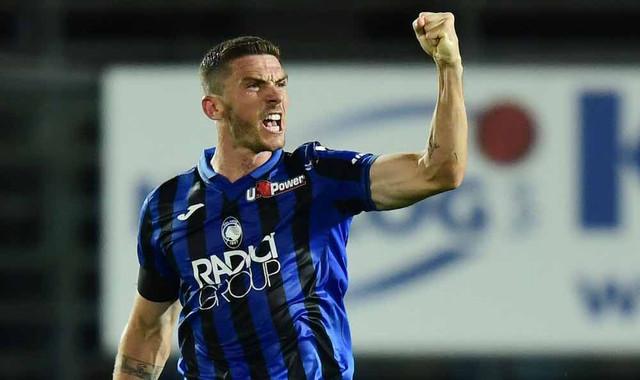 Atalanta-s-German-defender-Robin-Gosens-celebrates-after-scoring-during-the-Italian-Serie-A-football