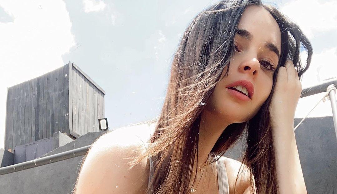 Fabiola-Guajardo-Wallpapers-Insta-Fit-Bio-17