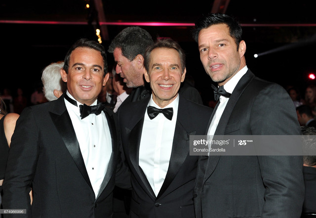 LOS-ANGELES-CA-APRIL-29-L-R-Eugenio-Lopez-Honoree-Jeff-Koons-and-singer-Ricky-Martin-at-the-MOCA-Gal.jpg