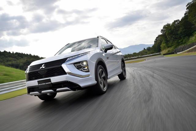 Mitsubishi Motors annonce le lancement de l'Eclipse Cross PHEV en Europe 1345-eclipse-cross-phev-img-12