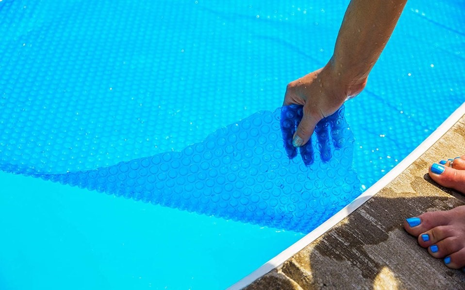 How to Maintain Chlorine Demand for Your Backyard Pool?