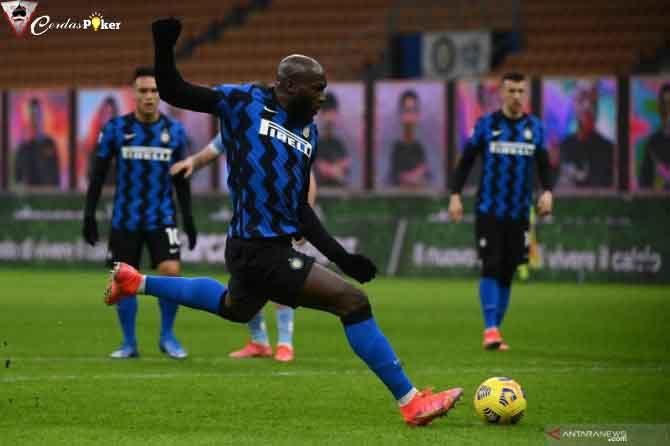Inter Maksimalkan Tergelincirnya AC Milan
