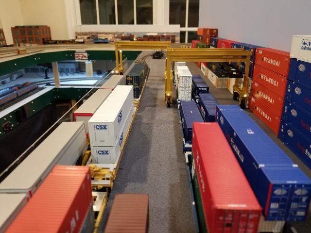Nice-Dbl-Track-Loading-Scene-cranes-with-LEDs.jpg