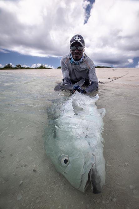 kanton-atoll-gt-giant-trevally-fly-fishing-kiribati-33