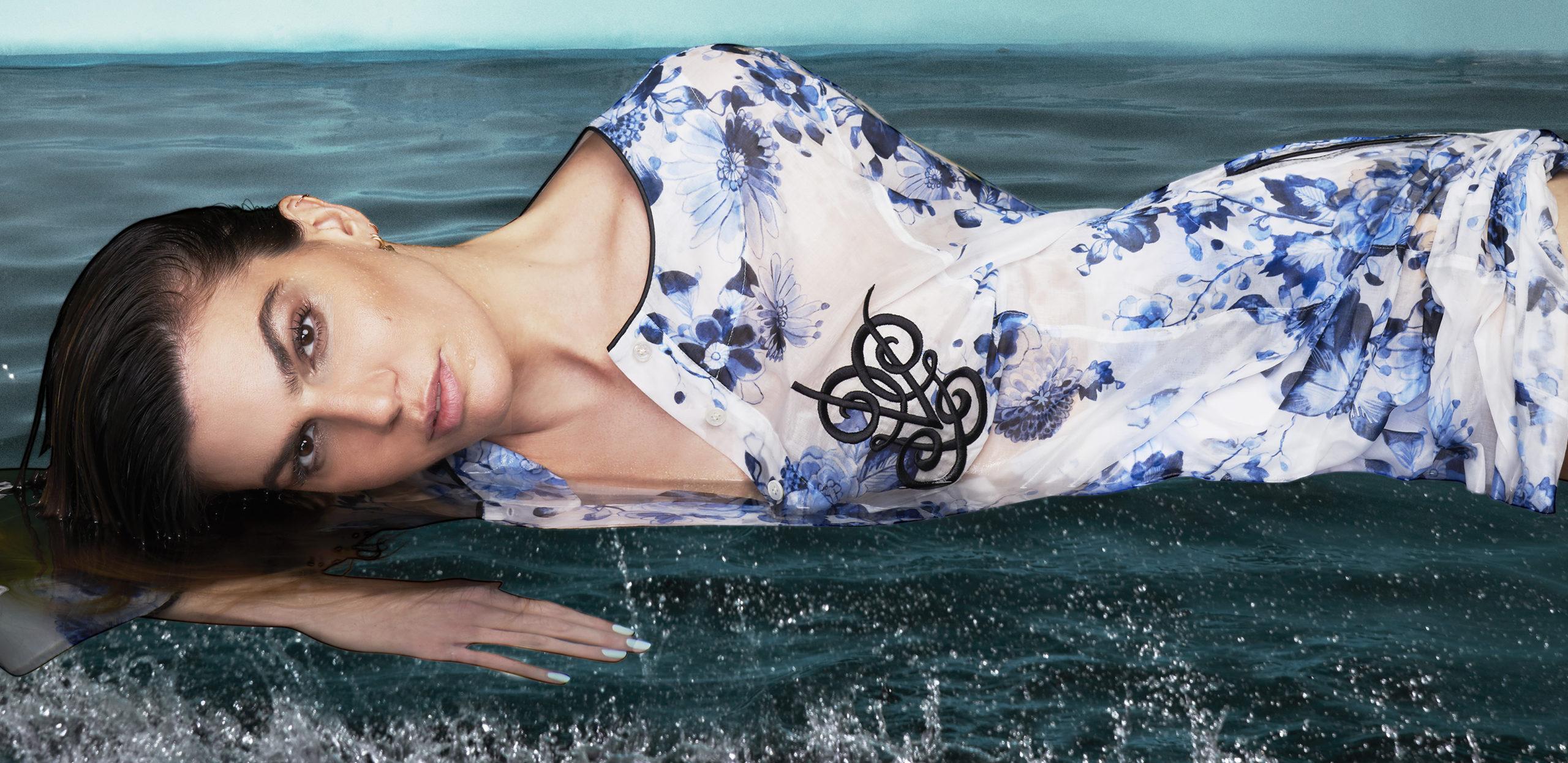 Bianca Brandolini volto della beach capsule di Giambattista Valli