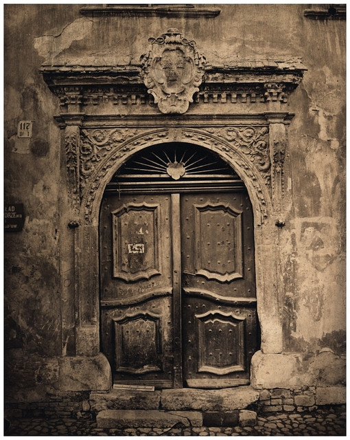Doors-Of-Cracow-4
