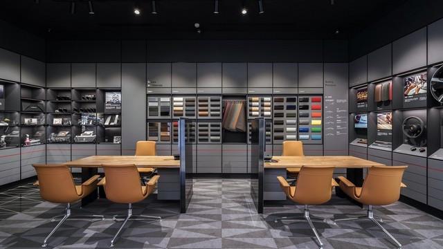 Nouveau  Porsche studio à Taiwan 79271-F47-A412-47-FD