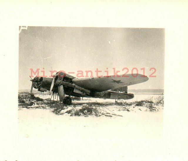 Foto-Wk2-russischer-Bomber-auf-Feldflugplatz-N50078