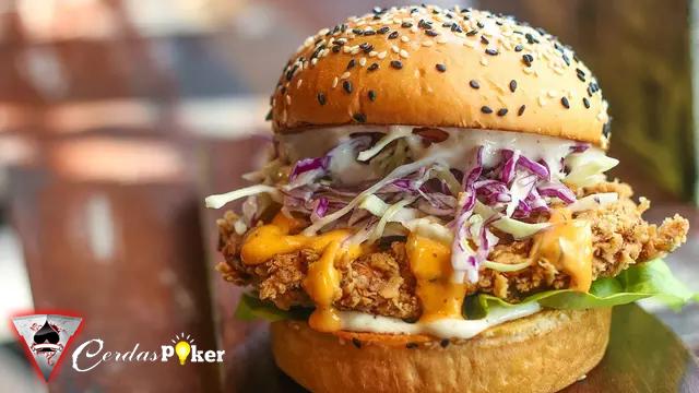 Pesan Burger Vegan Perempuan Inggris Nyaris Mengonsumsi Daging Ayam