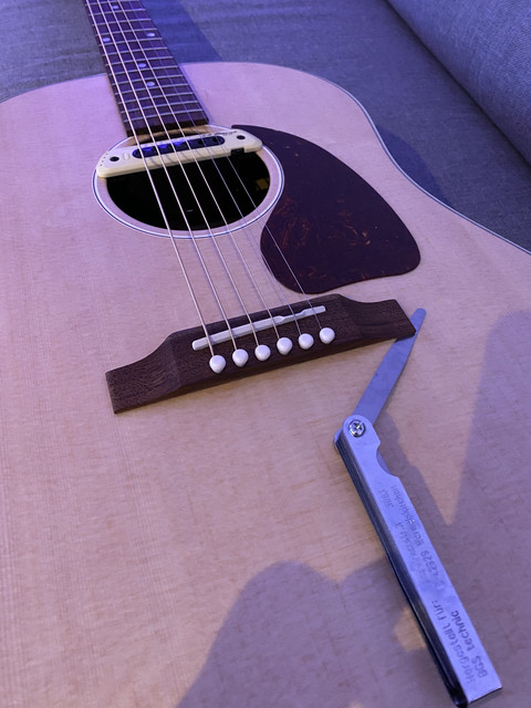 Gibson G 45 Bridge Corner Loose And Dip In Top The Acoustic Guitar Forum