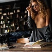 sensual-reading-31d0e7a7-0c1c-491b-8a6e-4acaedafeeb1