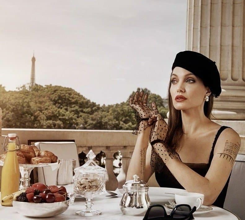 Angelina-Jolie-6
