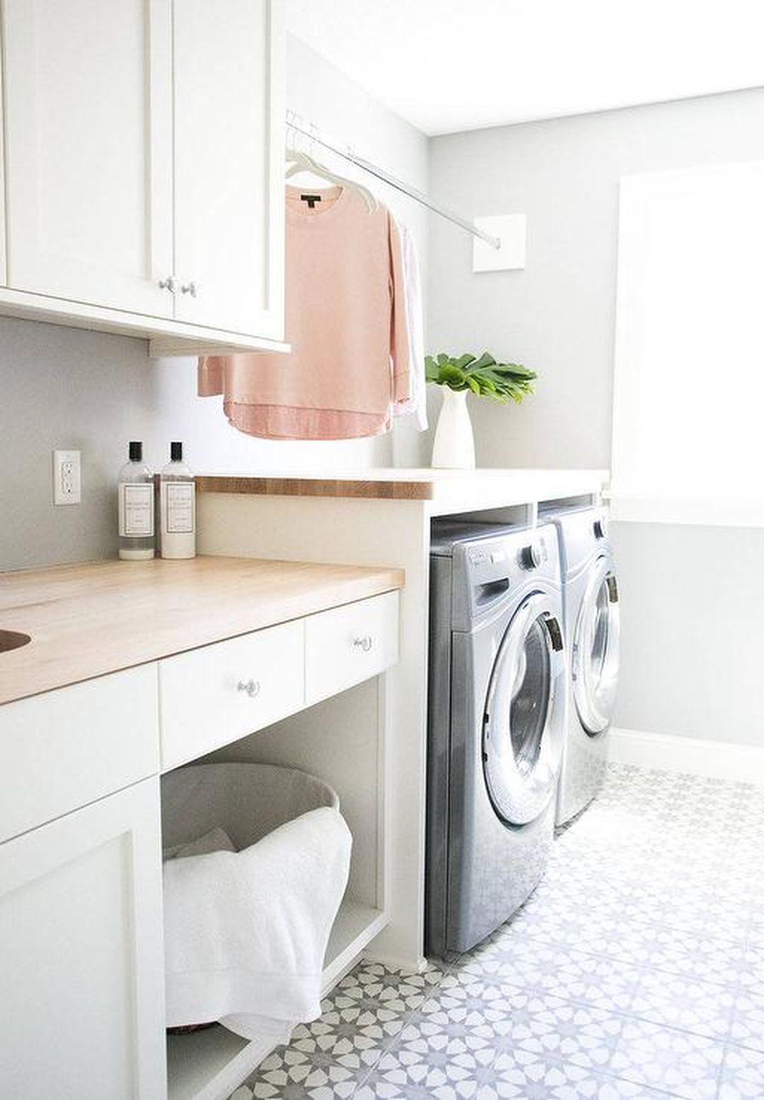 Lantai Ruang Cuci Baju