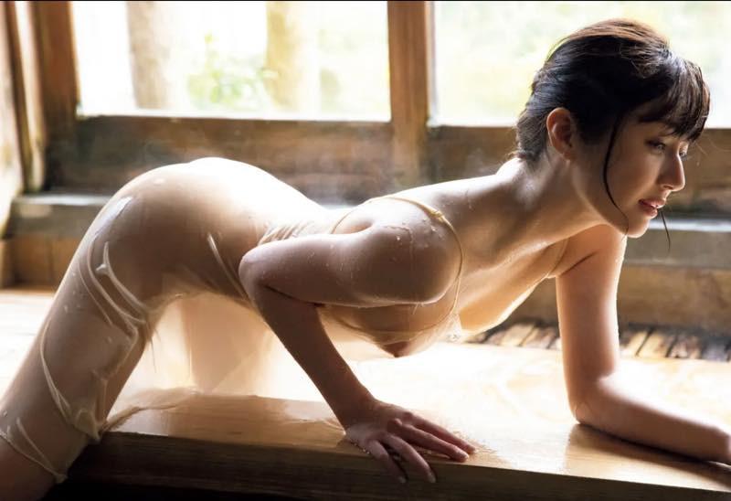 Shindou-Manami-Naked-008