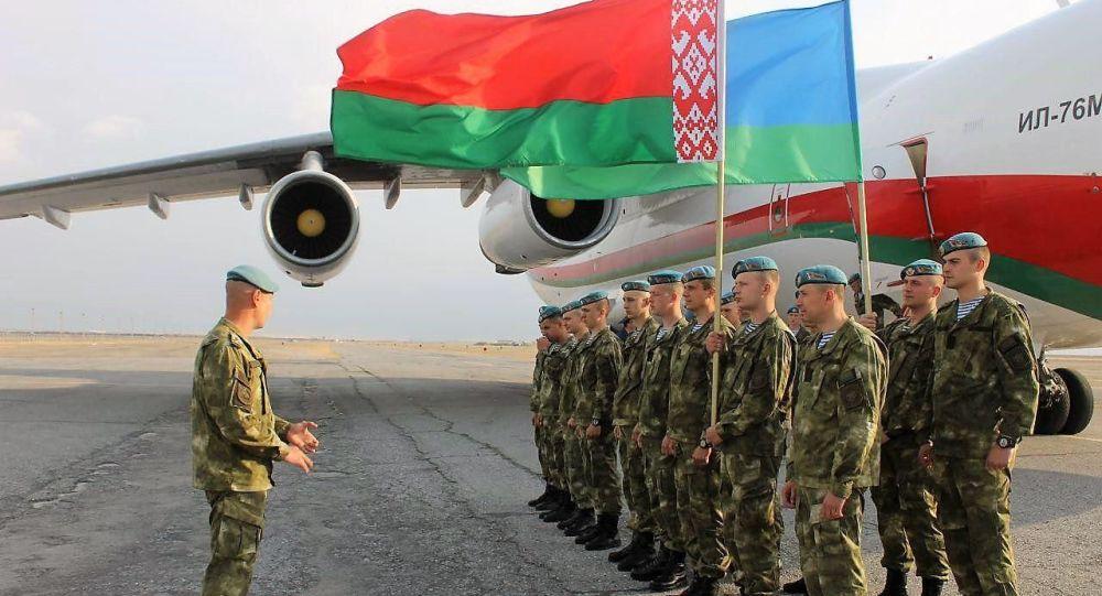 korrespondent-uz-0448-Belaruslik-harbiylar-Il-76md-harbiy-samolyotida-Farg-onaga-uchib-kelishdi