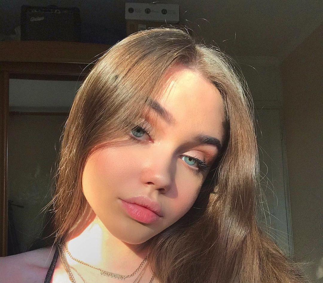 Eliza-Kayudina-Wallpapers-Insta-Fit-Bio-8