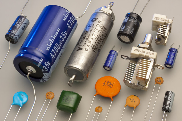 Working Principle of Capacitors
