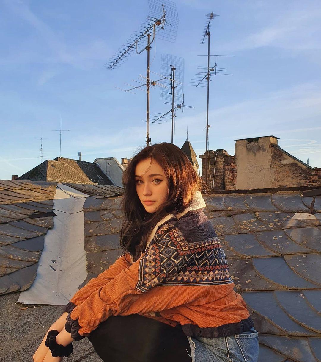 Jade-Anh-Wallpapers-Insta-Fit-Bio-7